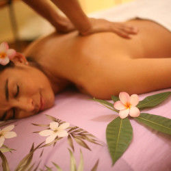 Lomi Lomi Massage Services