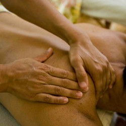 Lomi Lomi Deep Tissue Massage